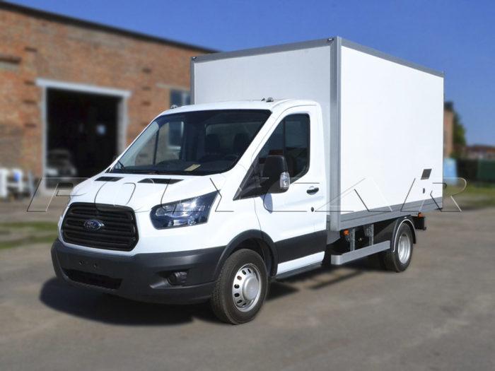 Ford Transit с изотермическим фургоном.