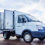 Газель с фургоном для перевозки животных.