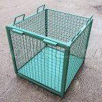 Клетка для перевозки животных.