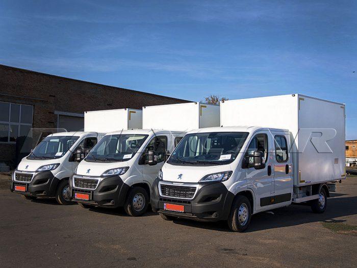 Партия промтоварных фургонов на Peugeot Boxer.