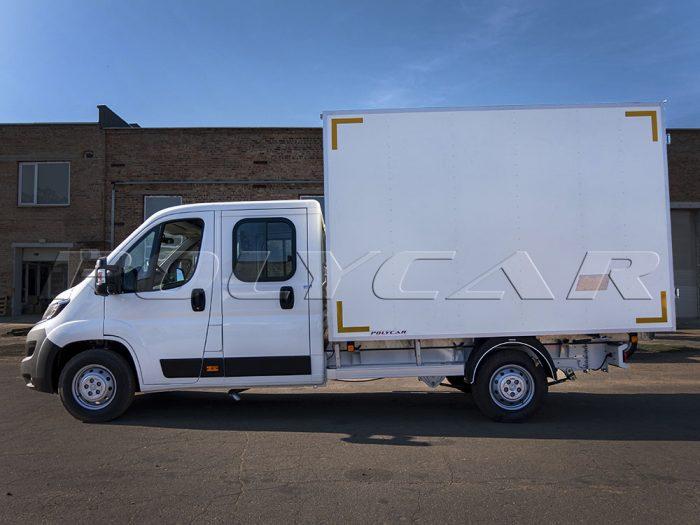 Промтоварный фургон, выполненный под заказ на Peugeot Boxer.