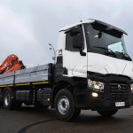 Renault Truck C440 с кму Atlas AK 240 и бортовой платформой.