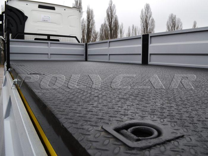 Бортовая платформа изготовленная и установленная под заказ на Renault Truck C440.