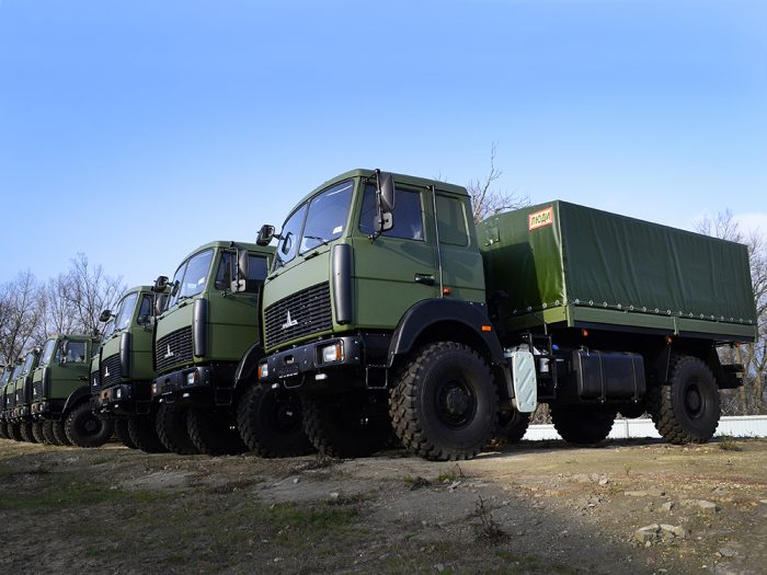 Автомобиль для перевозки личного состава на базе МАЗ.