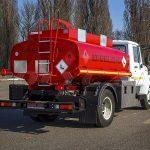 Топливозаправщик ГАЗ 33098 с цистерной объемом 5 кубических метров.