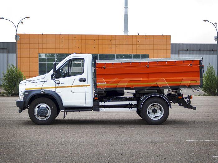 ГАЗ NEXT с самосвальной платформой производства Polycar.