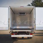 Рефрижераторный фургон с холодильным оборудованием.