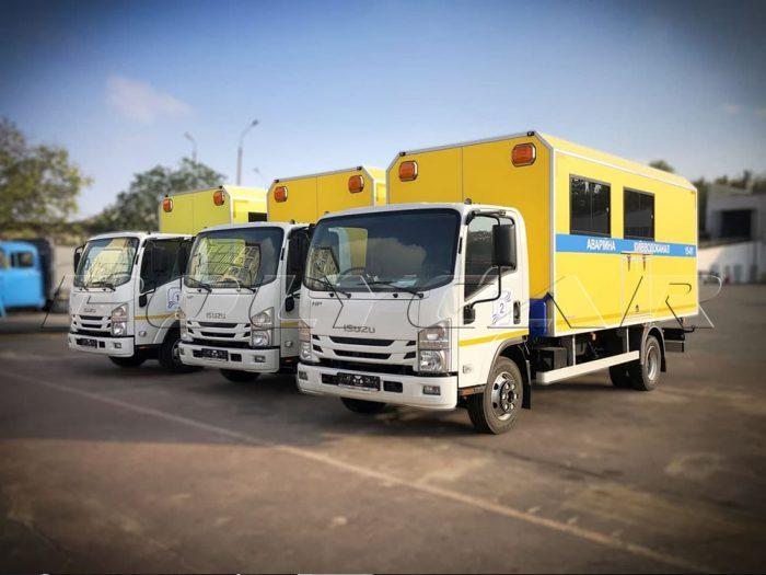 Аварийно-восстановительные машины Киевводоканала на базе Isuzu NPR75.