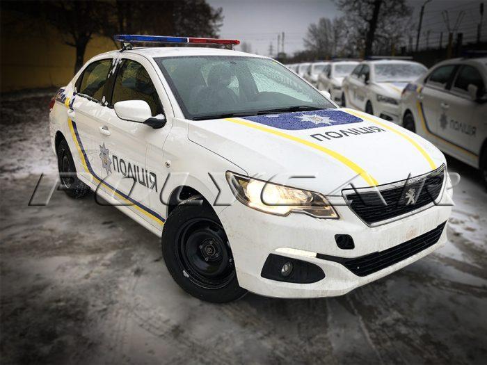 Патрульный автомобиль Peugeot 301.
