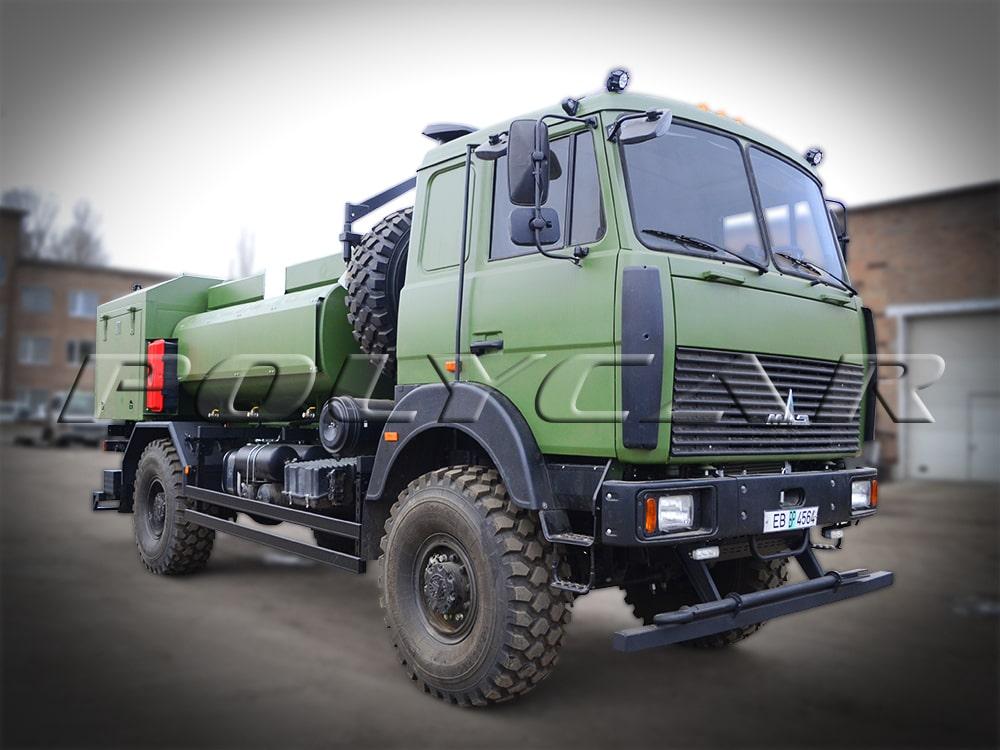 Авіаційні паливозаправники, виконані в Polycar на базі МАЗ.