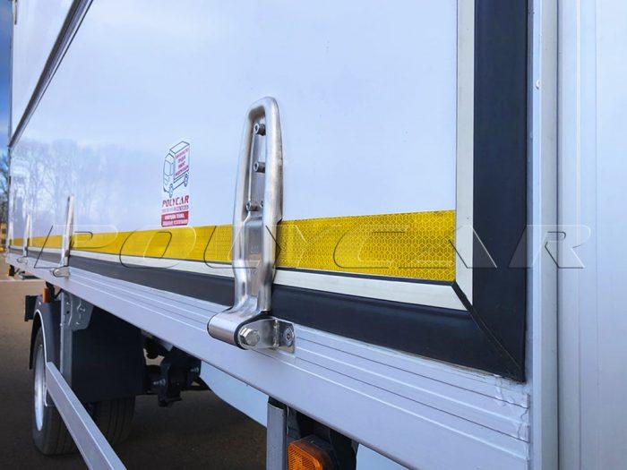 Петлі на промтоварному фургоні виробництва Polycar.