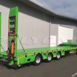 Трал для перевозки спецтехники и крупногабаритных грузов.
