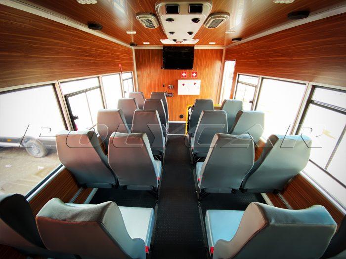 Пассажирский салон вахтовки производства Polycar.