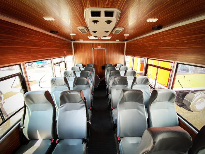 22 посадочных места в вахтовке производства Polycar.
